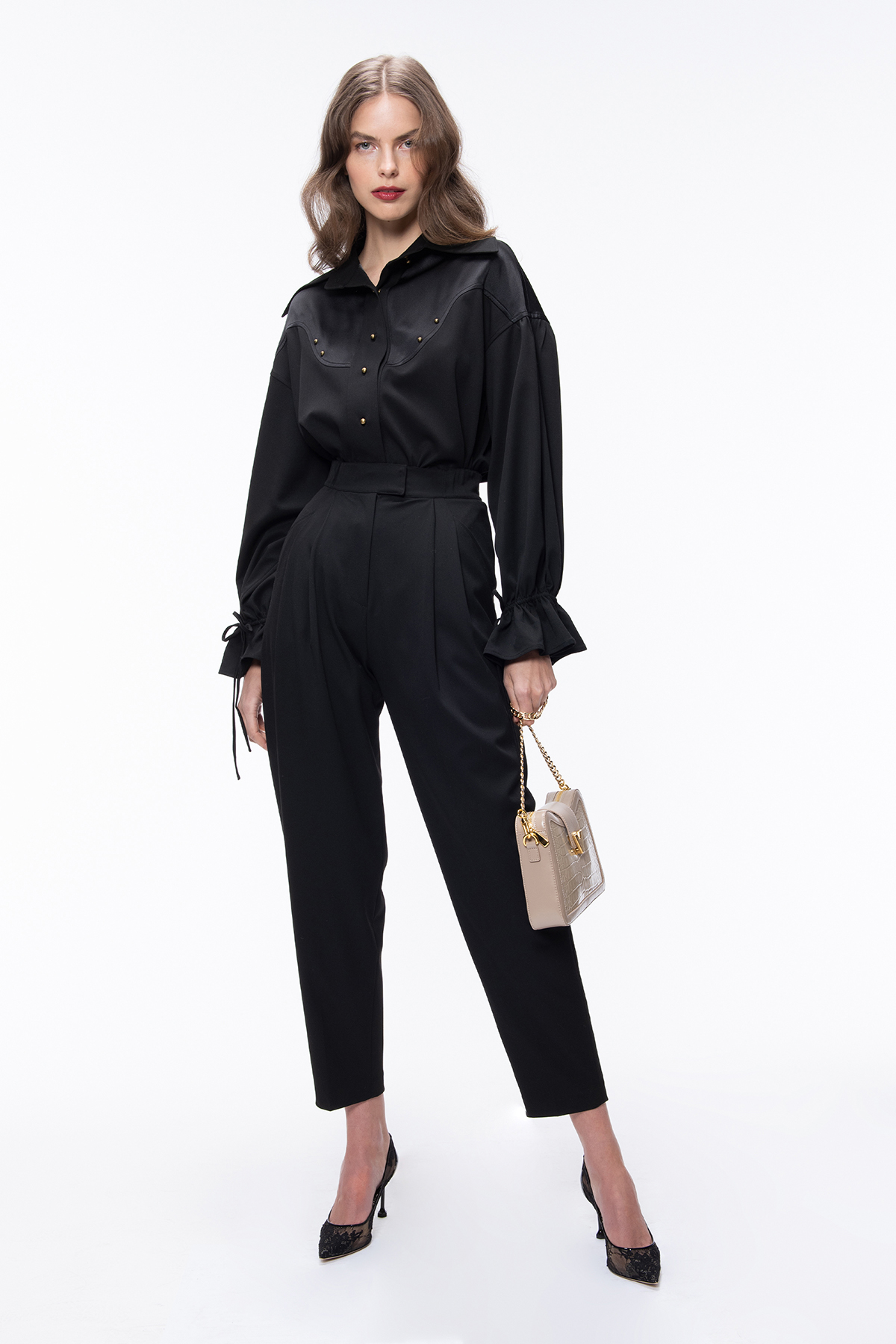 Black Shirt Ladies