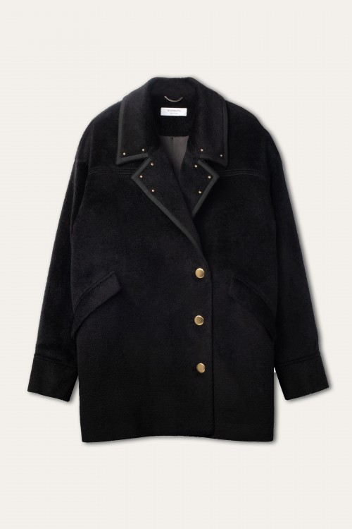OVERSIZED WOOL SHORT COAT WITH STUDS EMBELLISHED COLLAR
