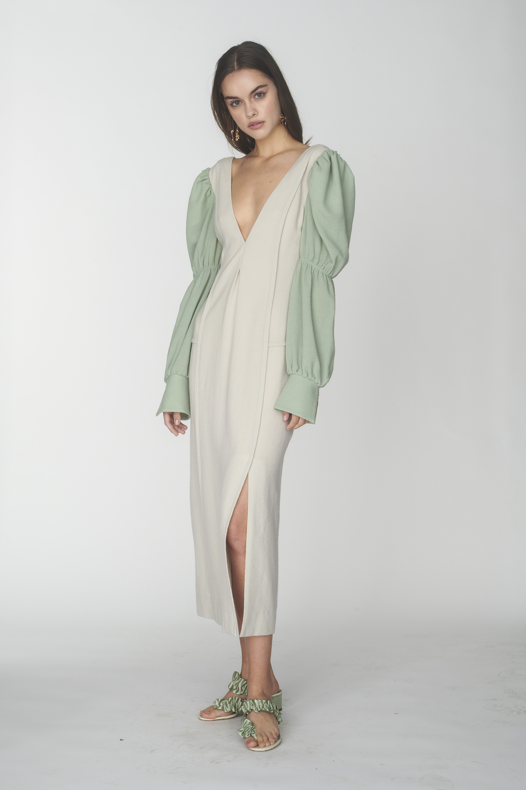 Deep V-neck dress with puffy sleeves