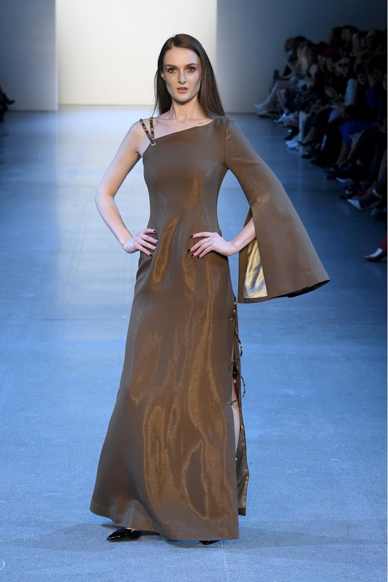 Asymmetry Flat Bead Gown